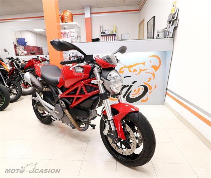 ducati monster 696 abs 696 de color roja del a o 2011 con 18000km toledo 6663785. Black Bedroom Furniture Sets. Home Design Ideas