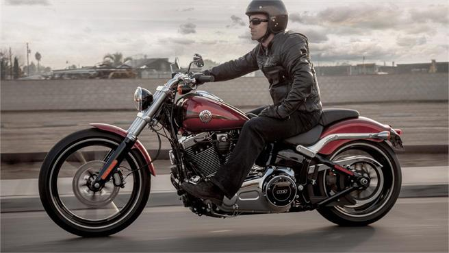 Harley Davidson Softail Breakout y Street Bob Spec