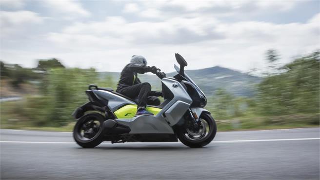noticias de motos noticias de motociclismo y v deos de motos. Black Bedroom Furniture Sets. Home Design Ideas