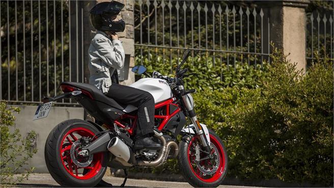 Ducati Monster 797 2017 prueba