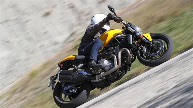 Ducati Monster 821: Fiel a su historia