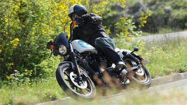 Harley-Davidson Sportster Iron 1200