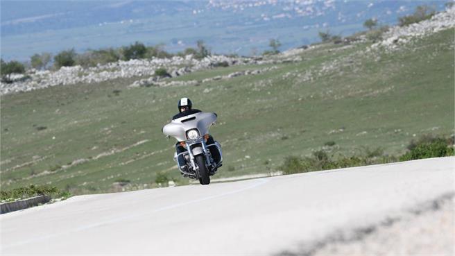 H-D Road Glide y Street Glide