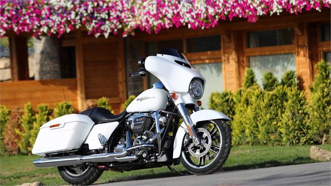 Harley Davidson 2017: Touring con 8v