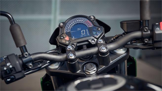 Honda CB 500 F y Kawasaki Z 400: ¡El A2!