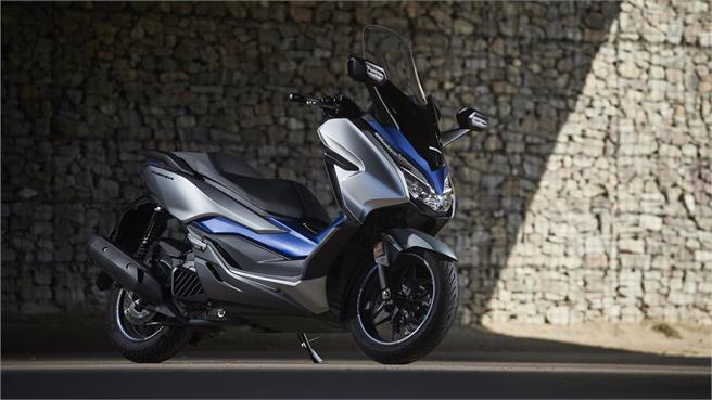 Honda Forza 125: Más lujoso y equipado