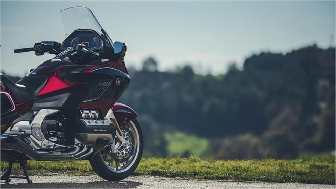 Honda Gold Wing DCT-Airbag:Evolución