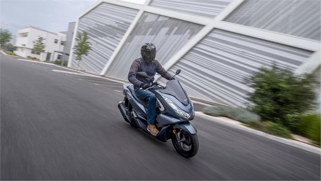 Honda PCX125: El scooter futurista, distinto y exclusivo