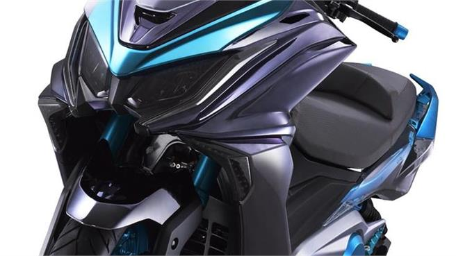 KYMCO presenta el megascooter K50