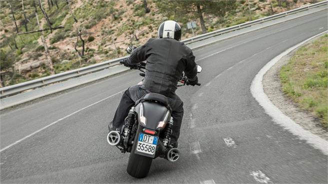 Moto Guzzi Audace: Muscle Bike a 90º