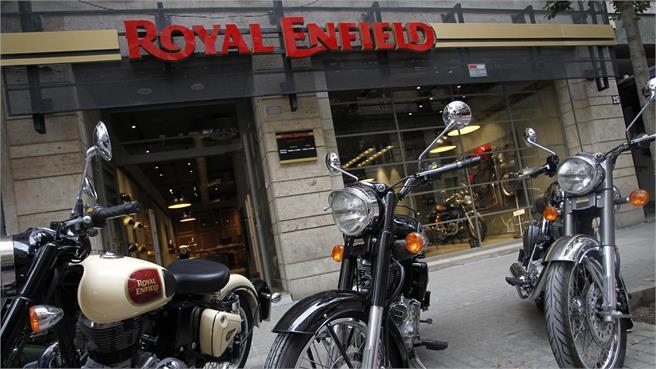 Royal Enfield pisando fuerte
