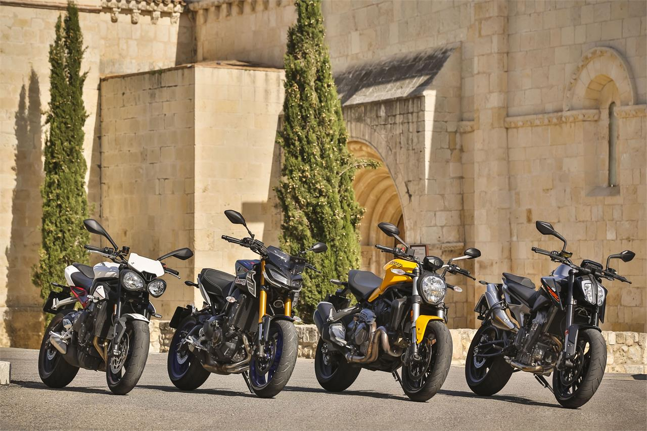 KTM 790 Duke, Ducati Monster 821, Triumph Street Triple R y Yamaha MT09 SP - foto 12