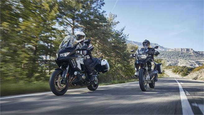 BMW R 1250 GS vs Kawasaki Versys 1000