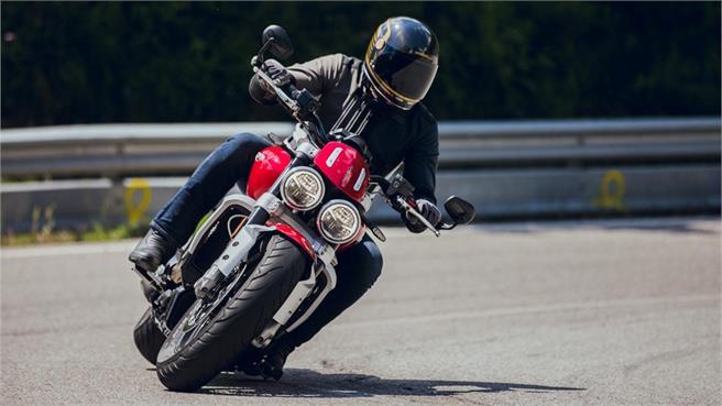 Triumph Rocket 3 R - Ducati Diavel 1260 S - Comparativo de Muscle Bike's