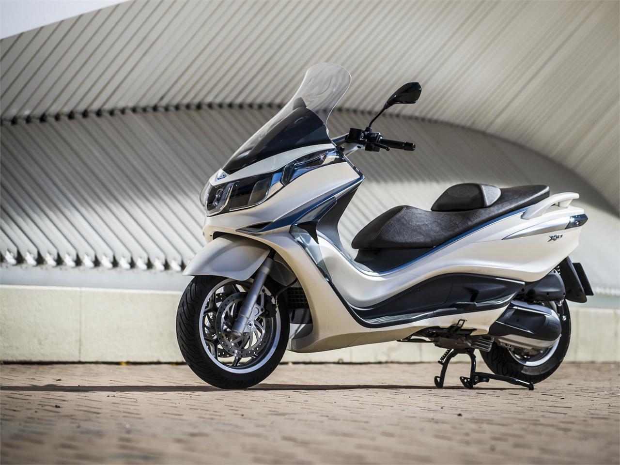 pruebas piaggio x10 2013 | noticias motos