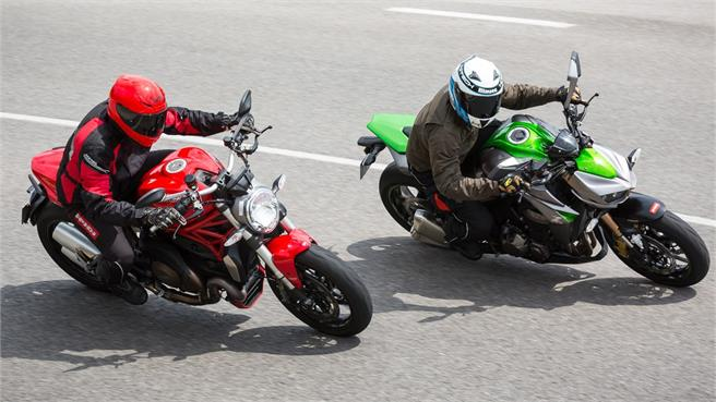 Ducati Monster 1200 vs Kawasaki Z1000