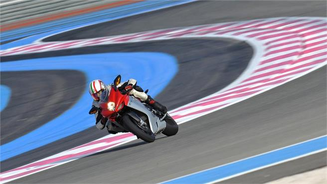 Coppa F3 MV Agusta: SuperSport Passion