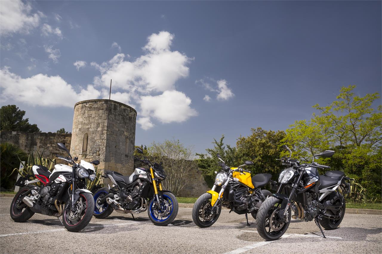 KTM 790 Duke, Ducati Monster 821, Triumph Street Triple R y Yamaha MT09 SP - foto 19