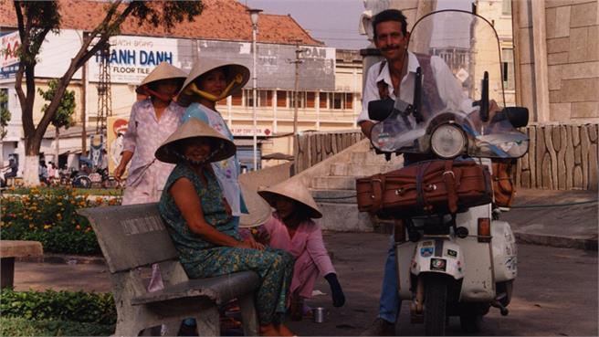En Vespa de Roma a Saigón