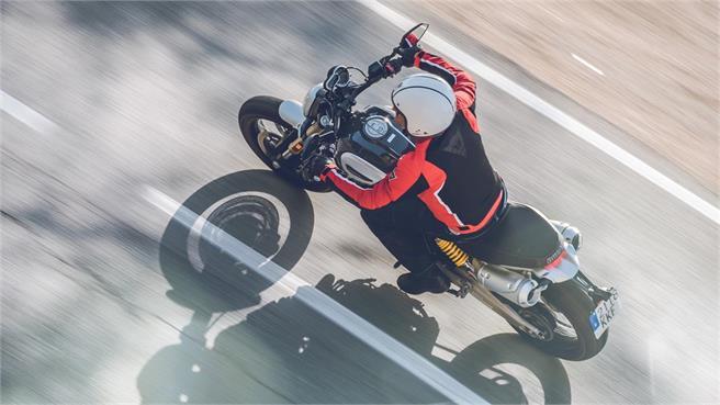 Ducati Scrambler 1100 vs Triumph Scrambler 1200