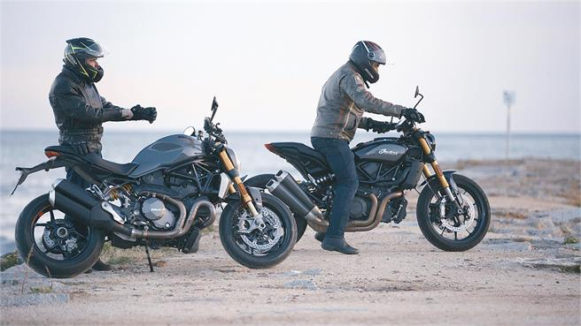 Comparativo entre Indian FTR 1200 S y Ducati Monster 1200 S