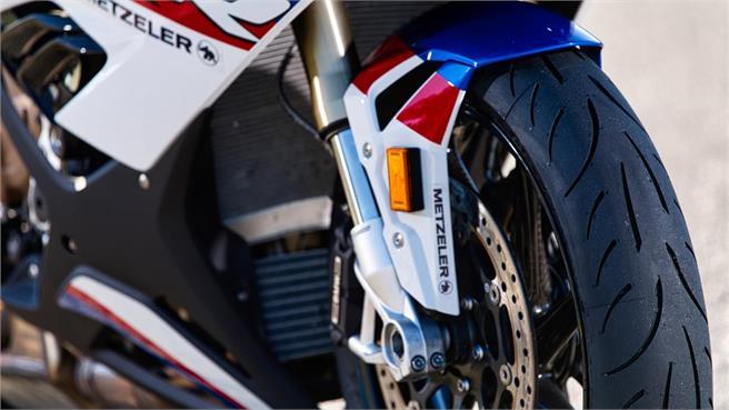 Metzeler Sportec M9RR: La evolución del M7RR