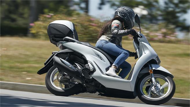 Comparativo Honda SH 125i vs Piaggio Medley 125 i-get 2020