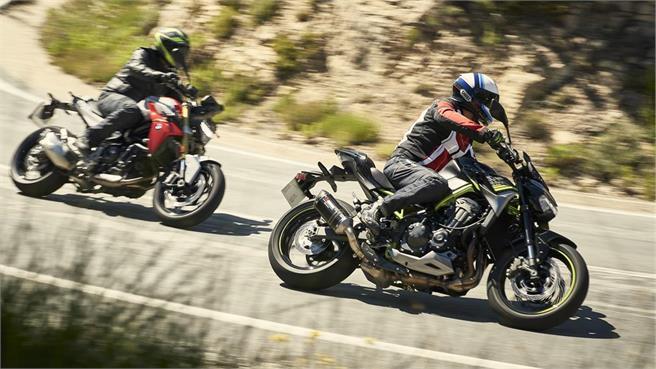 BMW F 900 R vs Kawasaki Z900 Performance