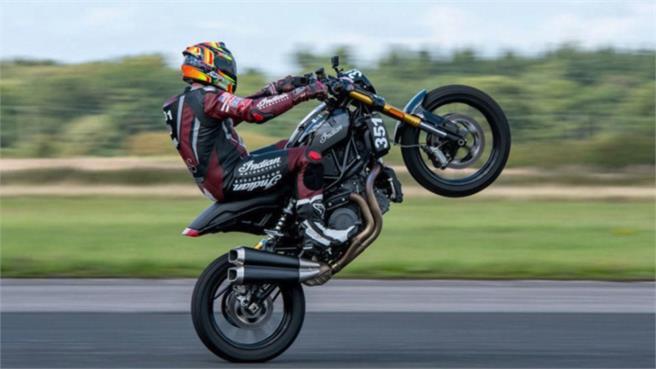 Los 20 récords en moto inverosímiles: Increíble es poco