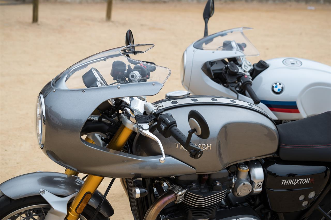 Bmw R 1200 Ninet Racer Vs Triumph Thruxton R Tras Décadas De Pugna