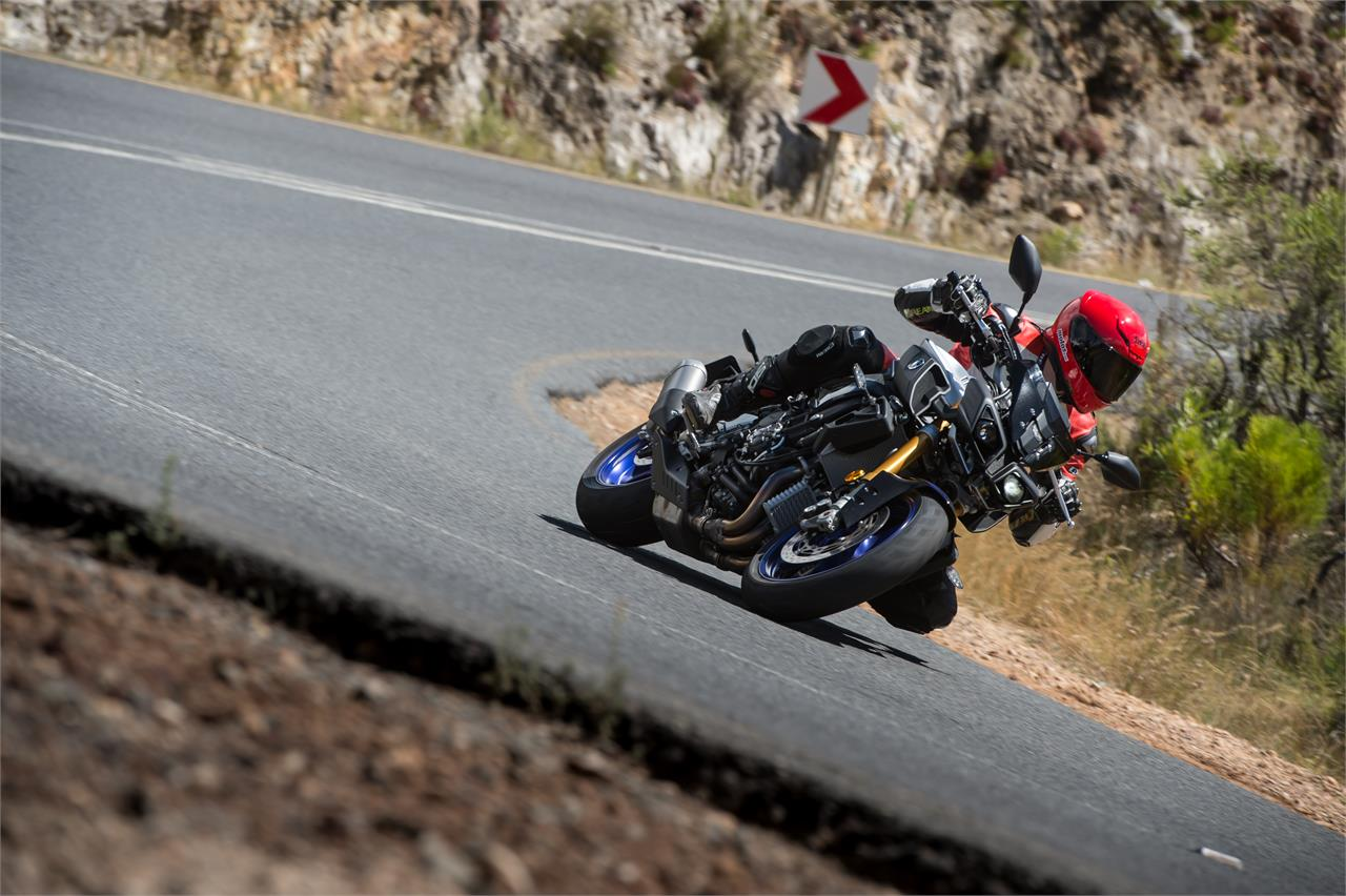 Yamaha MT-10 SP/ Tourer Edition: Exquisitas - foto 3