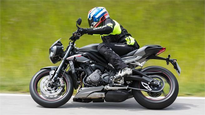 Yamaha MT-09 vs. Triumph Street Triple R