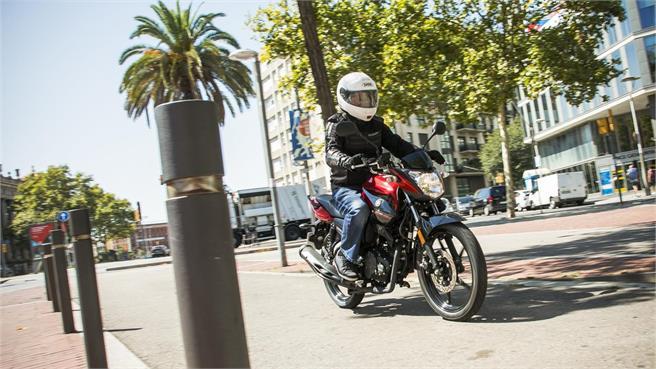 Yamaha YS125: Aspiraciones moteras