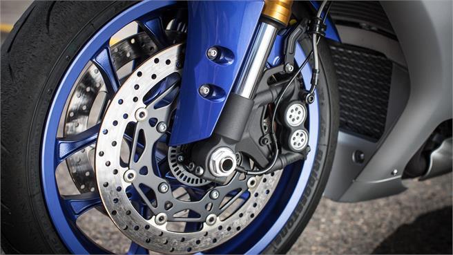 Yamaha YZF-R1 / R1M